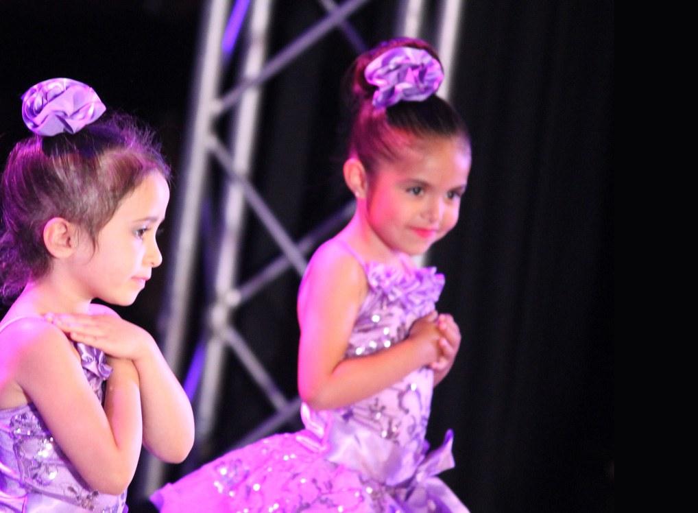 girls-in-purple-dresses